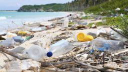 Кокосовите острови: още един рай, затрупан с пластмаса