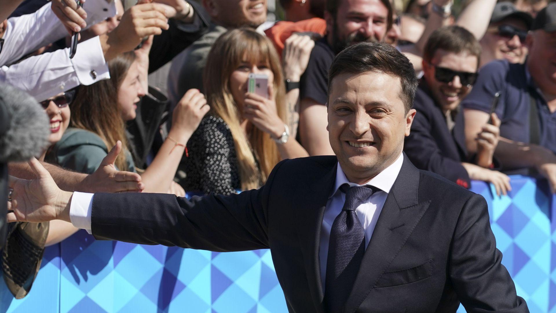 Предизборна треска в Украйна: Плюсове и минуси за Зеленски