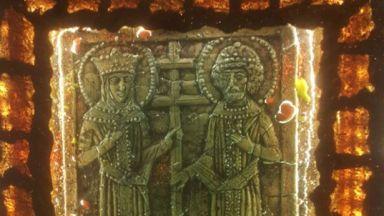 Ставри Калинов показва светещи картини в Пловдив
