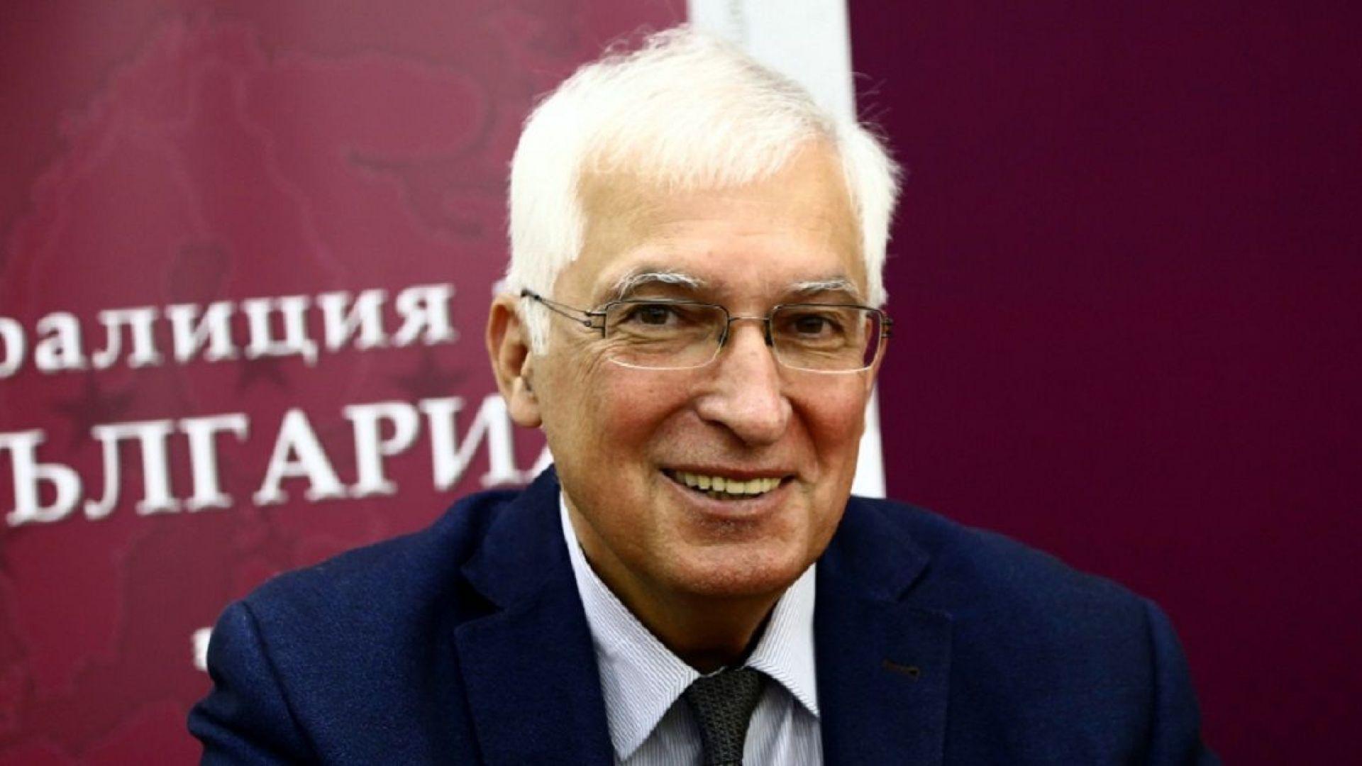 Проф. Дуранкев: Бих инициирал референдум за неразполагане на ядрено оръжие в ЕС