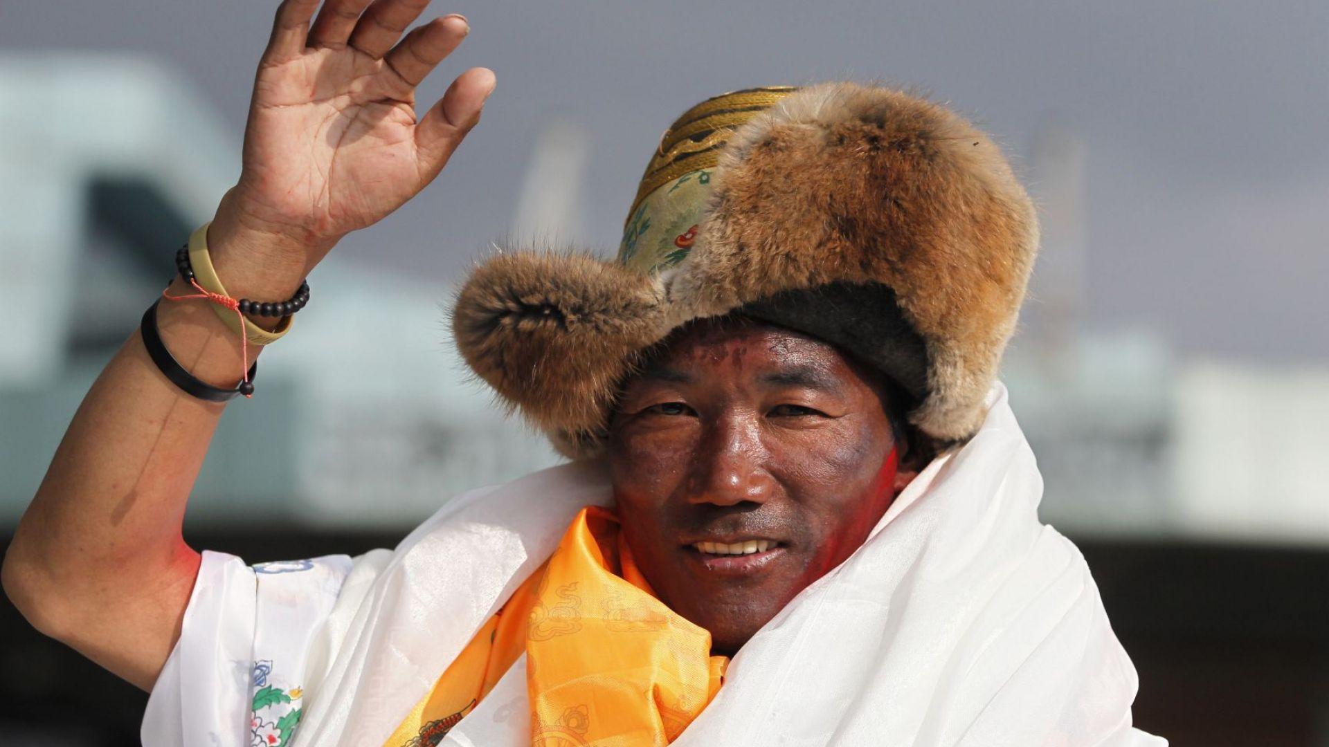 За 24-ти път стъпи на покрива на света шерпът ветеран