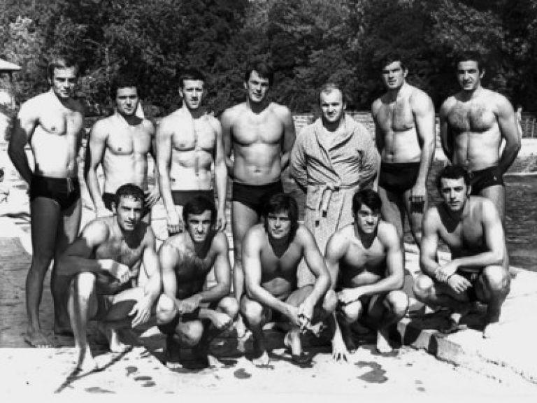 Българските ватерполисти от Олимпиадата в Мюнхен през 1972г. Иван Ковачев - Дембо е първият отляво