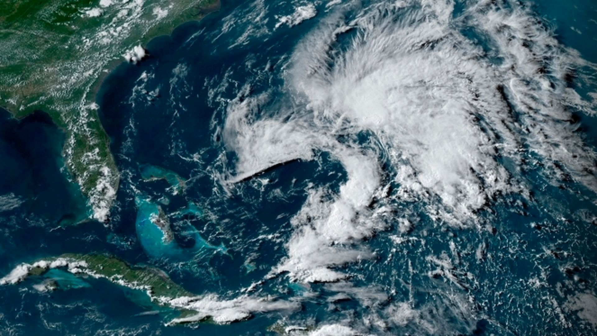 Андреа откри сезона на ураганите предсрочно