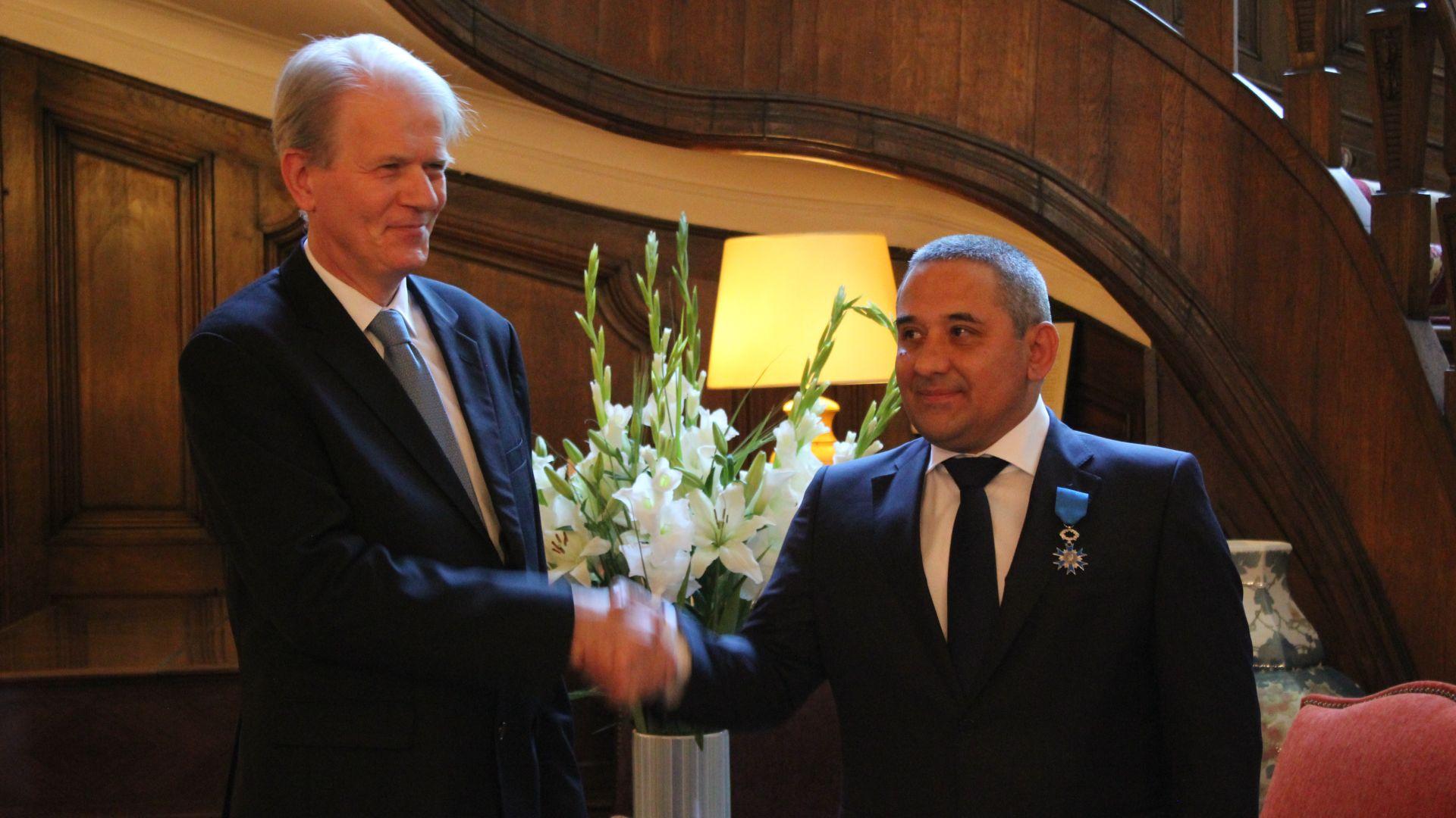 Днес на церемония в резиденцията на посланика на Франция в