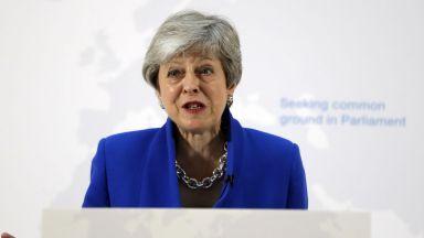 Мей предложи ново споразумение за Брекзит, но не изключи втори референдум