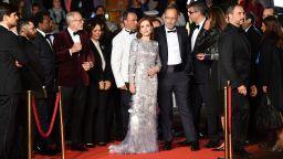Изабел Юпер избра сребриста рокля за представянето на новия си филм в Кан