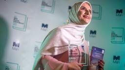 """Оманската писателка Джоха Алхарти спечели международната награда """"Ман Букър"""