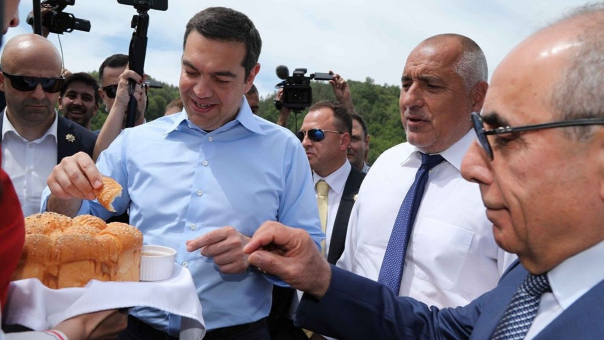 Медиите в Гърция проявяват силен интерес към срещата на министър-председателите