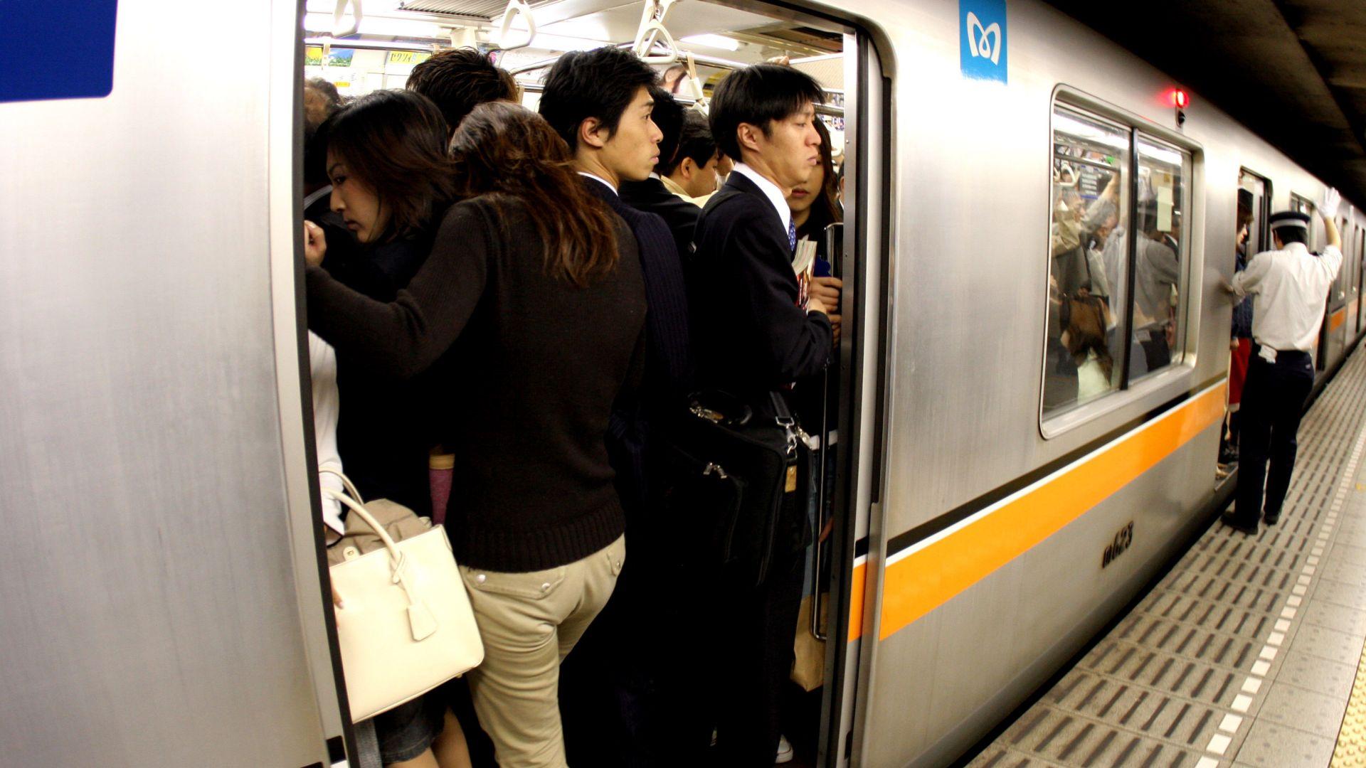Приложение срещу опипване стана хит в Япония