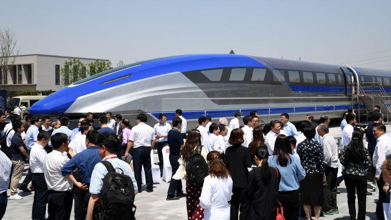Китай създаде влак на магнитна възглавница, развива 600 км/ч. (снимки)