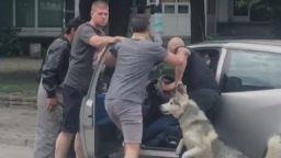 Агресия на пътя: Мъже нападнаха шофьор в Пловдив (ВИДЕО)