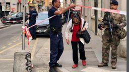 19 полицейски следователи търсят атентатора от Лион