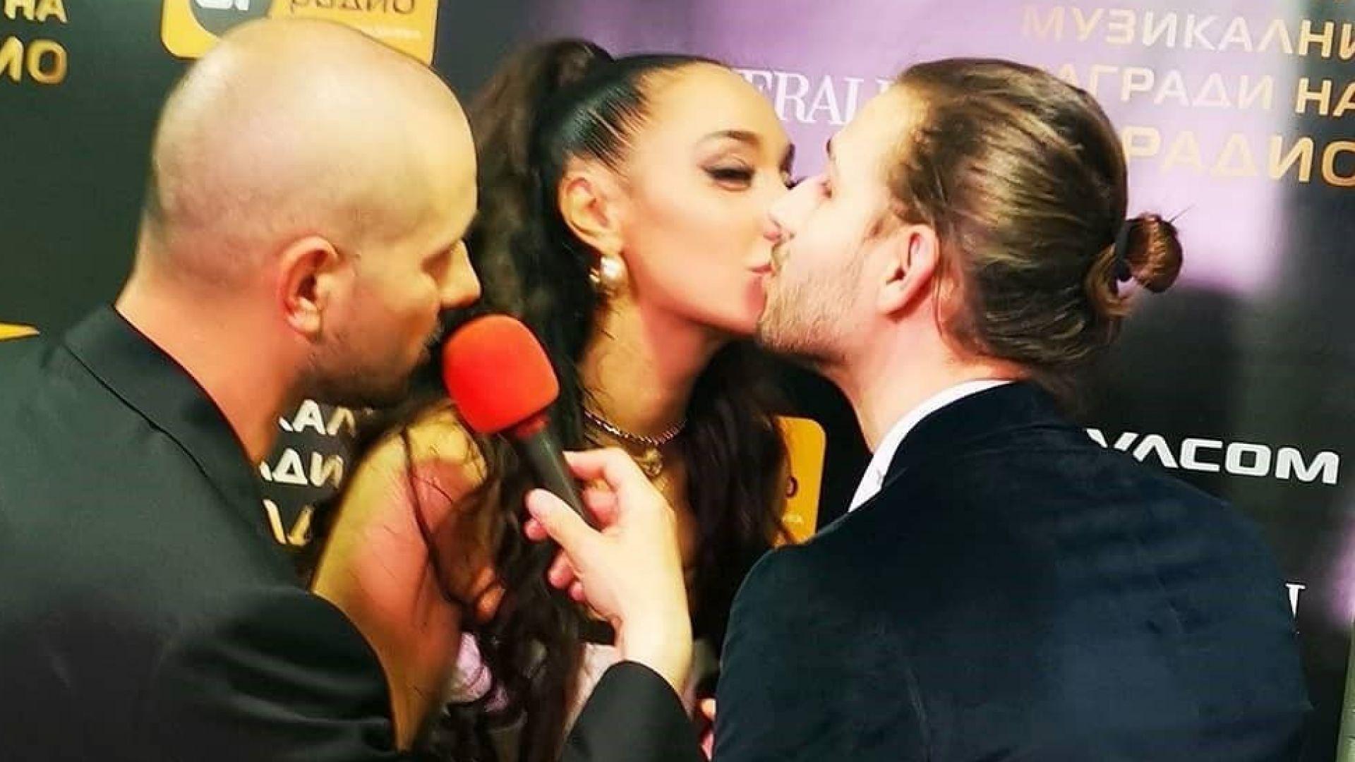 Мария Илиева пусна кадър, на който се целува с Папи Ханс