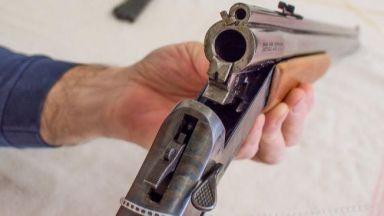 Възрастен мъж бе прострелян в Хасковско