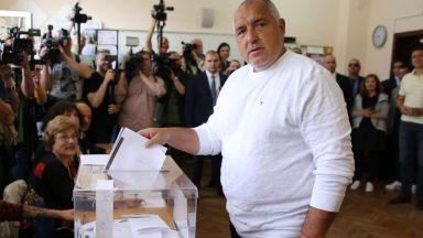 Борисов гласува: Президентът работи цяла кампания за БСП, не ми разваляйте настроението