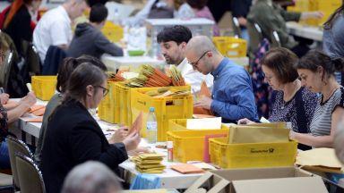 В Германия и Австрия убедително водят партиите от ЕНП, в Холандия - социалдеомократите