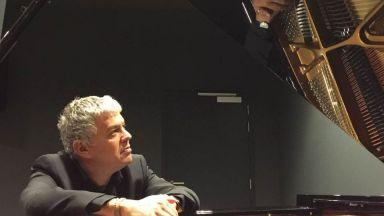 Пианистът Марко Теца: Чест и удоволствие е да се връщам в България