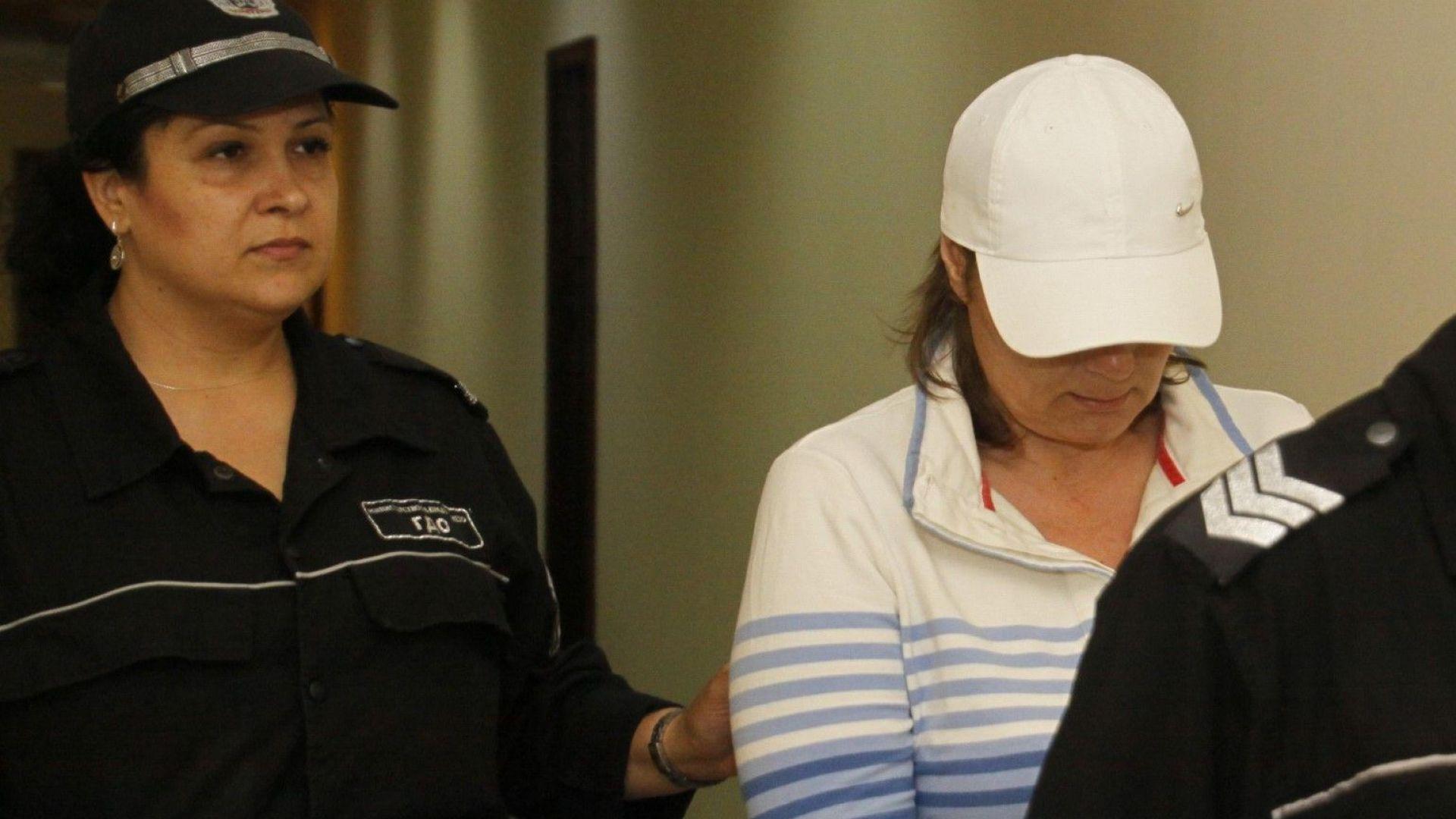 Издирваната за крупни измами рускиня Елена остава под стража
