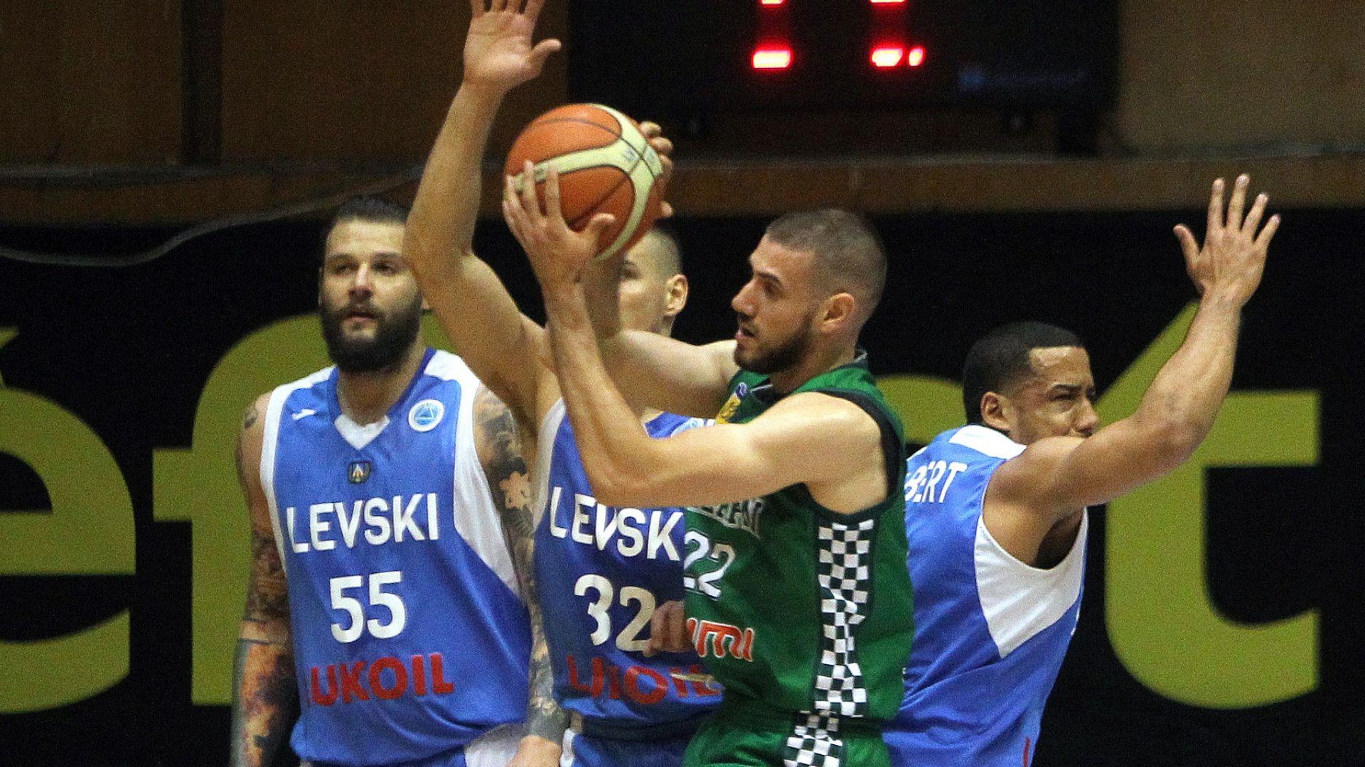 Балкан удари Левски Лукойл и е на победа от титлата