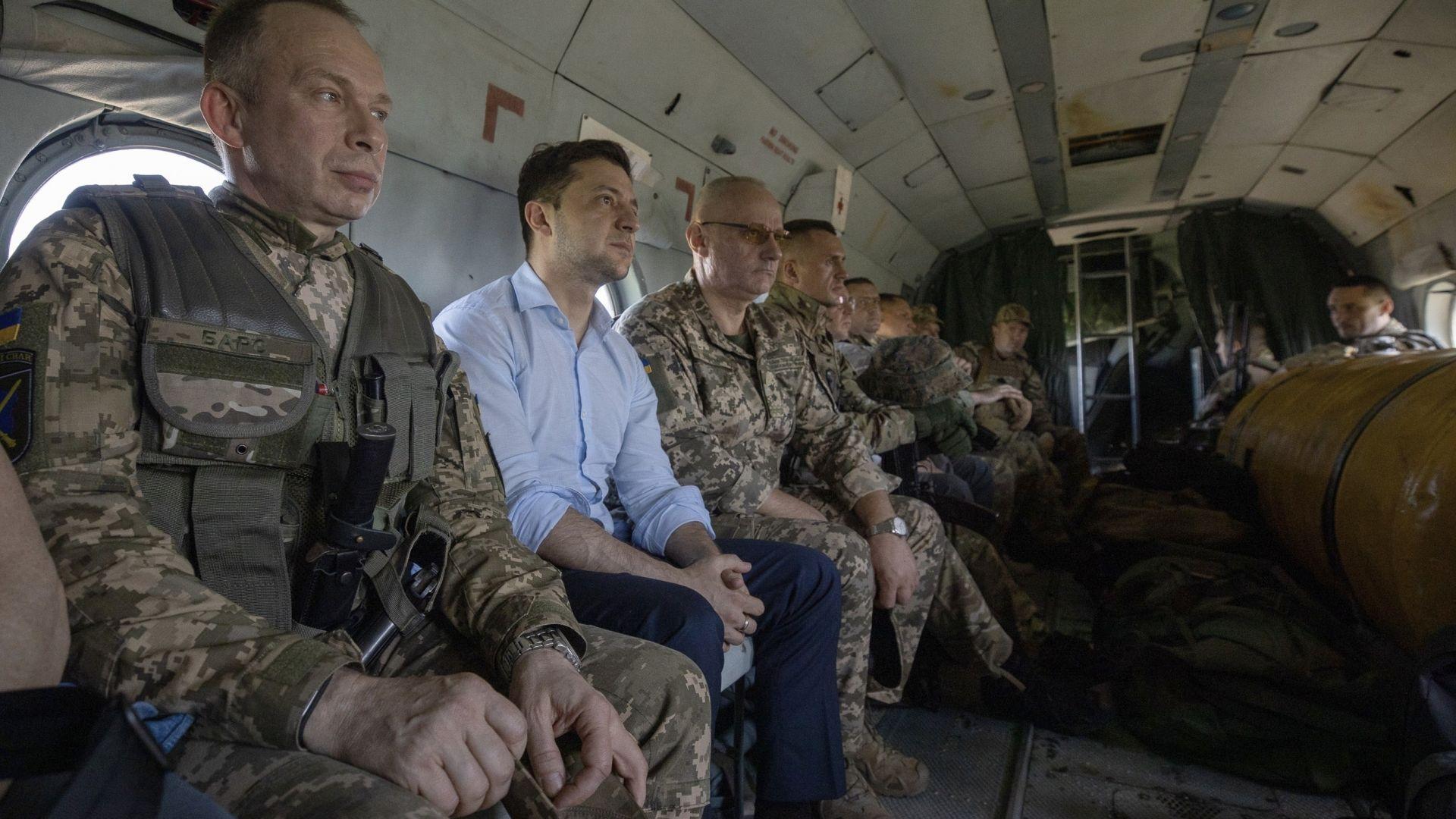 Тръмп е замразил военна помощ за Украйна преди да се чуе със Зеленски