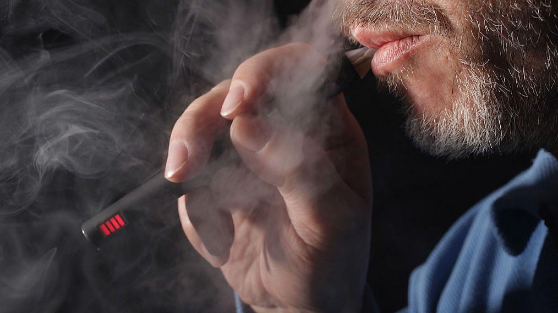 Пушачите на електронни цигари по-често се връщат към никотина