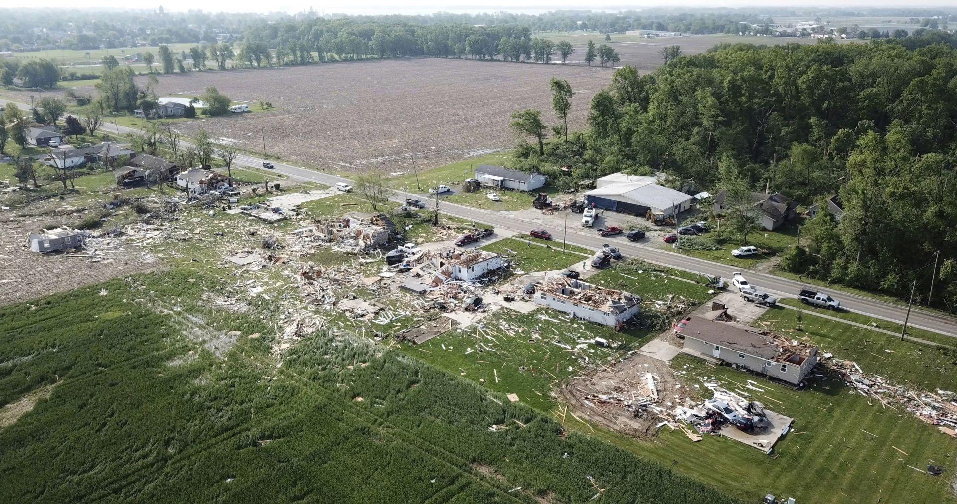 След торнадото в Охайо