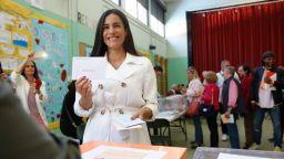Двойничка на Меган е кандидат за кмет на Мадрид