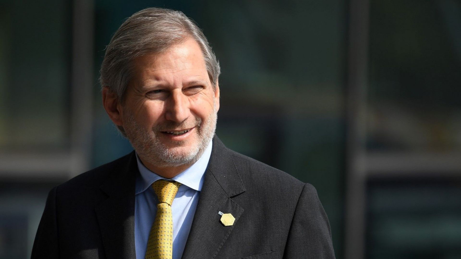 ЕК препоръча да започнат преговори със С. Македония и Албания, но предупреди, че в ЕС не се влиза бързо