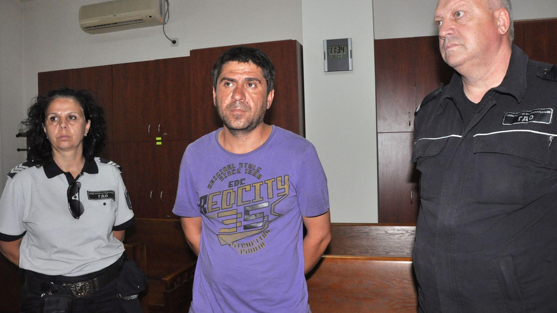 Арест за мъж от Хасково, агитирал  по време на изборите