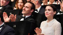 Хоакин Финикс и годеницата му ще снимат трети филм заедно