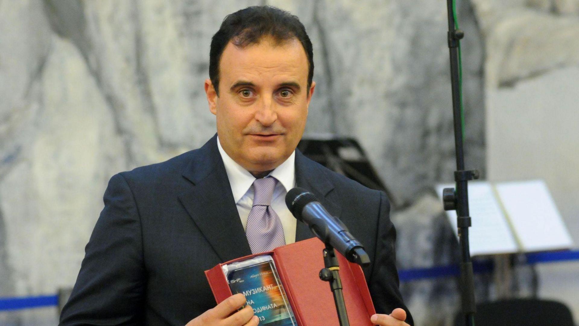 Съдът върна Марио Николов на работа, Министерството на културата го възстанови и освободи...