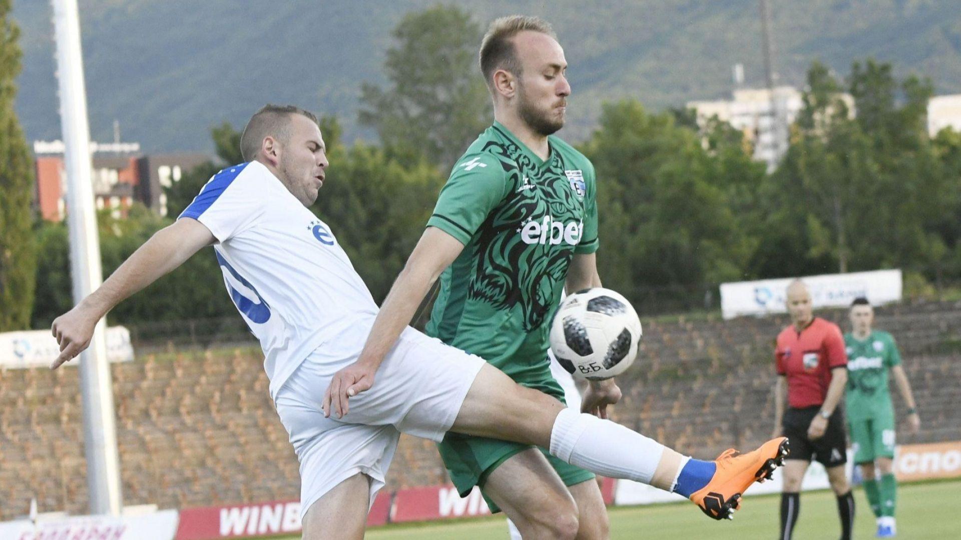 Витоша взе баража и продължава с елитния футбол