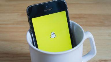 Snapchat също затяга контрола над политическите реклами