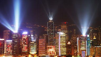 """Как светлинното замърсяване ни """"краде"""" звездите (видео)"""