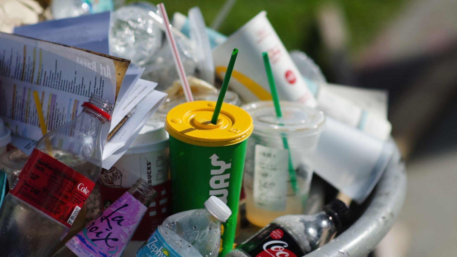 Малайзия откри 110 контейнера с опасни отпадъци от Румъния
