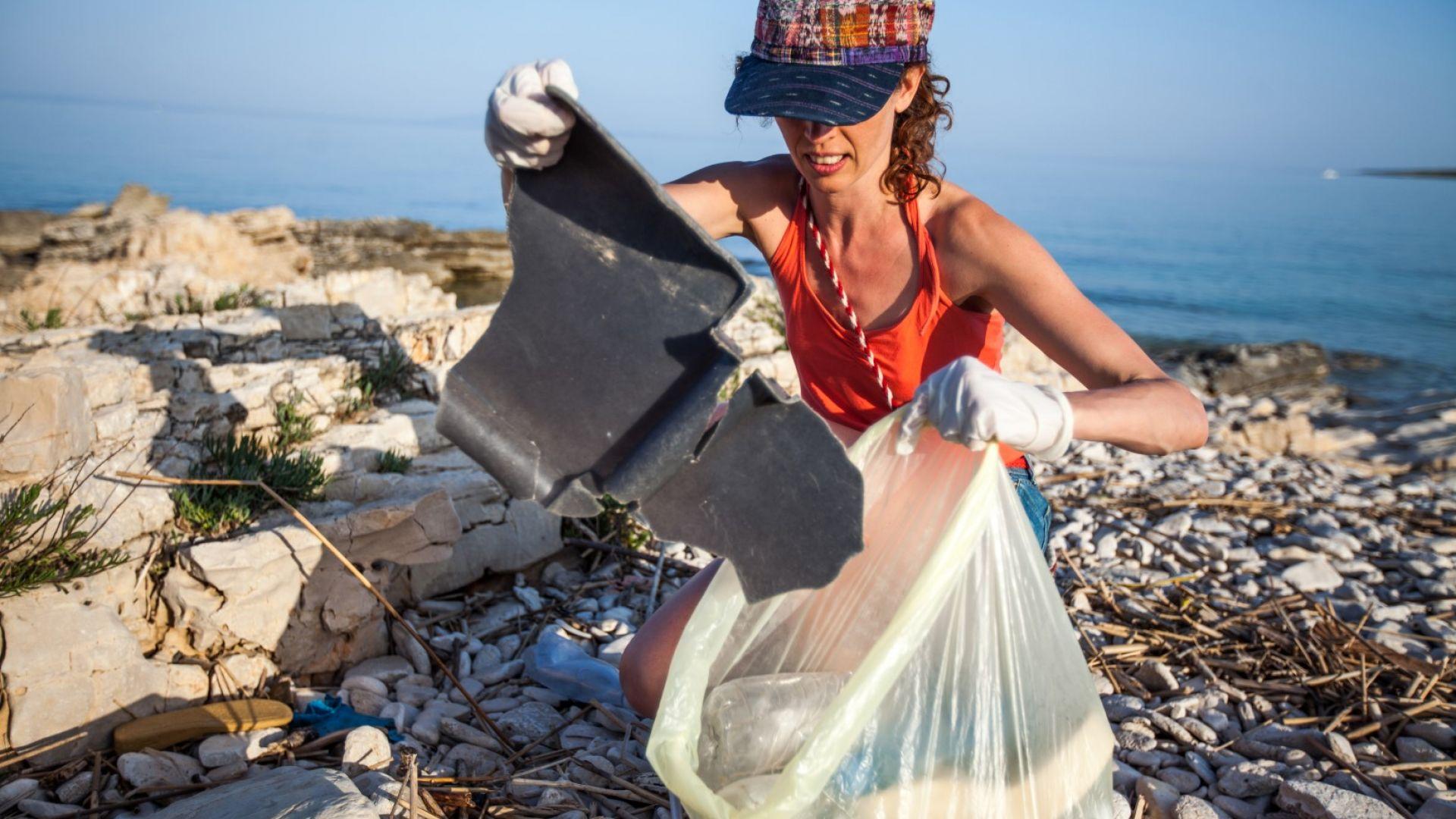 Малайзия връща 3000 тона пластмасови отпадъци на Запада (снимки)