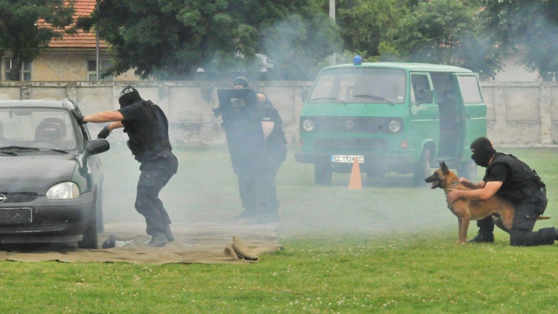 Три деца са ранени при демонстрационно взривяване на граната за 1 юни