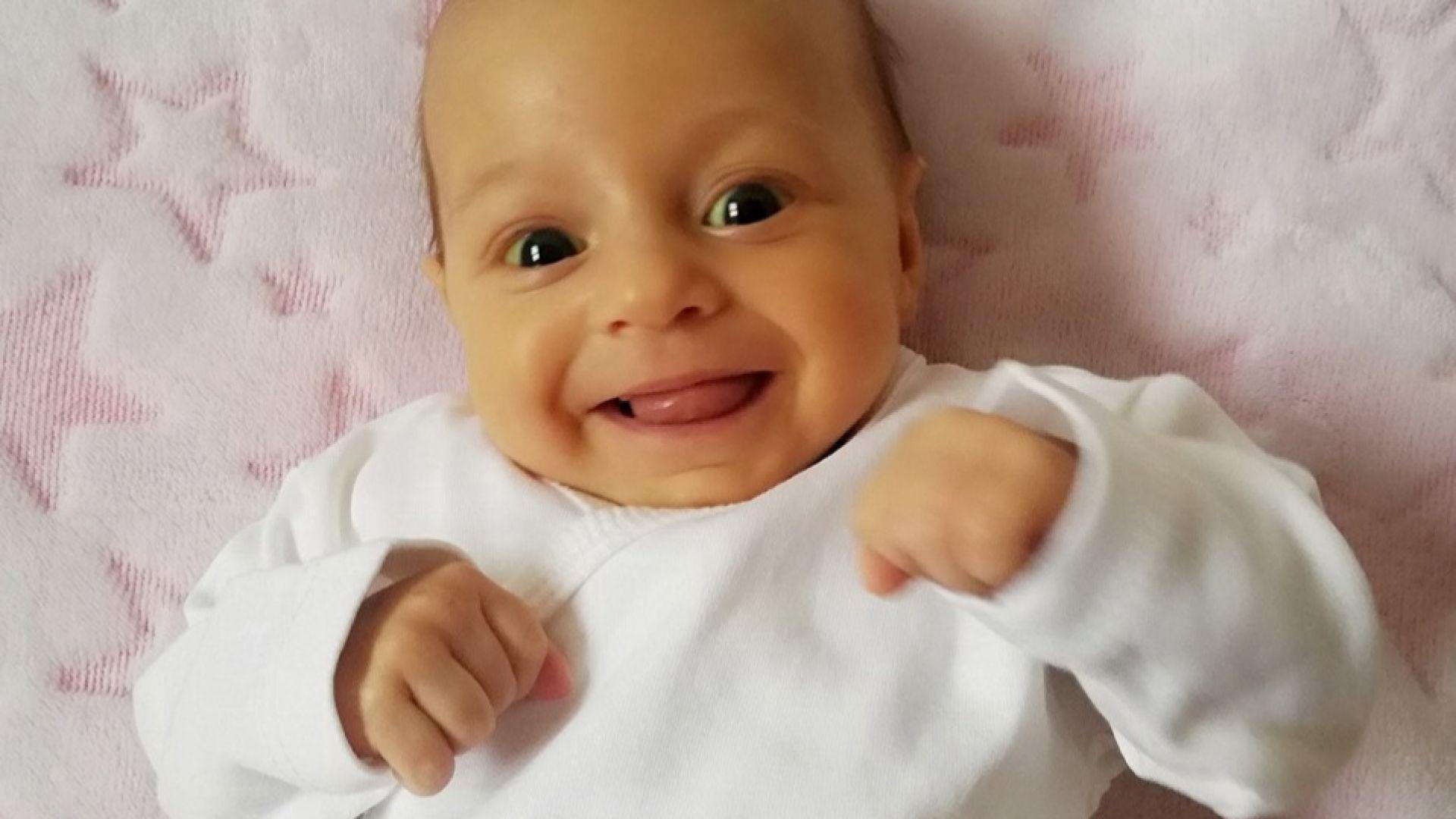 За 48 ч. хиляди събраха 280 000 евро за лечението на 2-месечната Калина (видео)