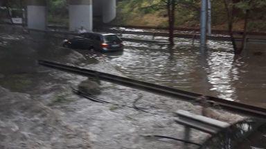 Мощна буря потопи под вода Пловдив (снимки+видео)