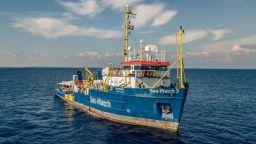 "В Италия освободиха иззетия кораб ""Сий уоч -3"", спасявал мигранти"