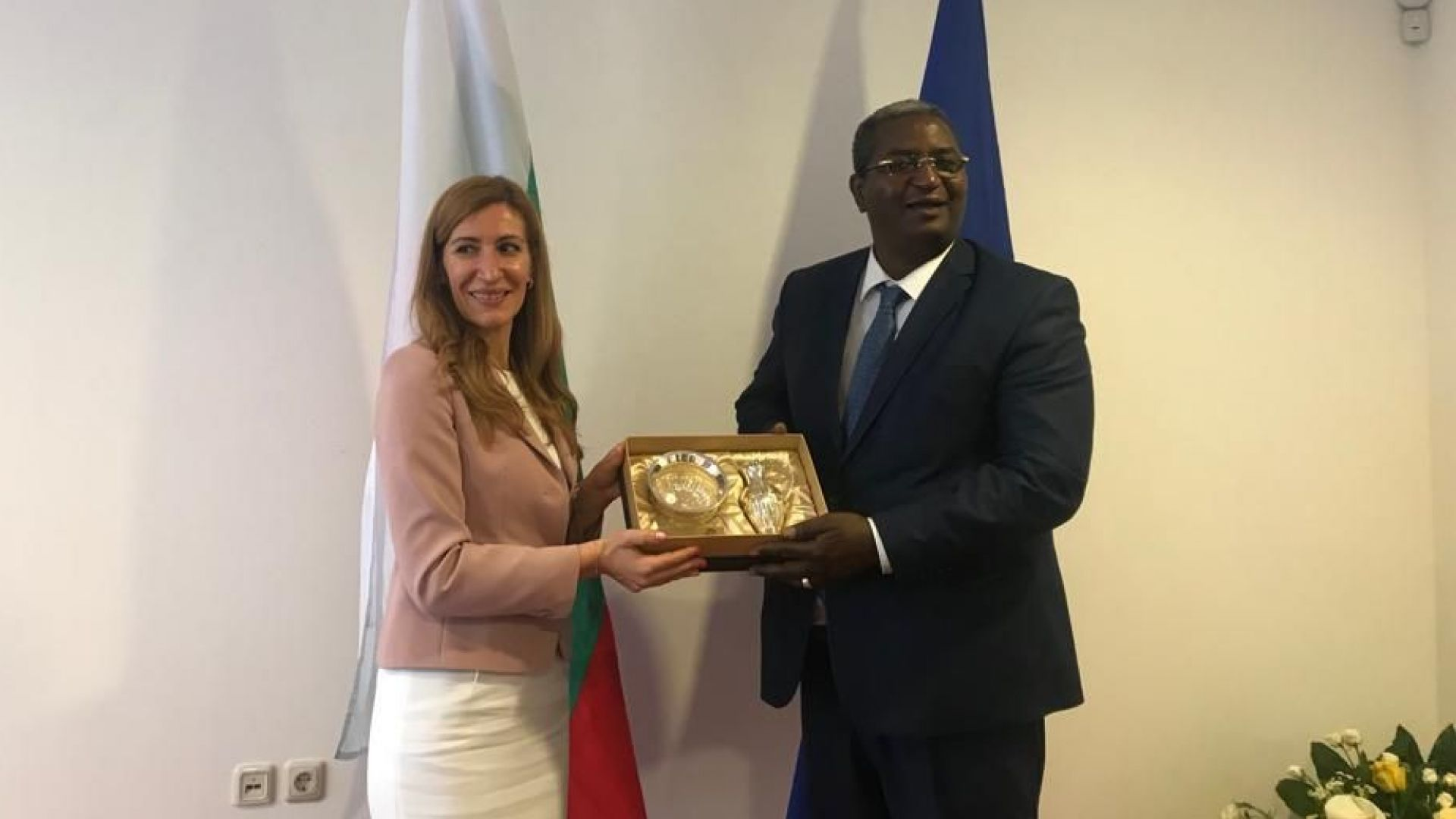 Министър Ангелкова кани алжирския бизнес да инвестира в туризма у нас
