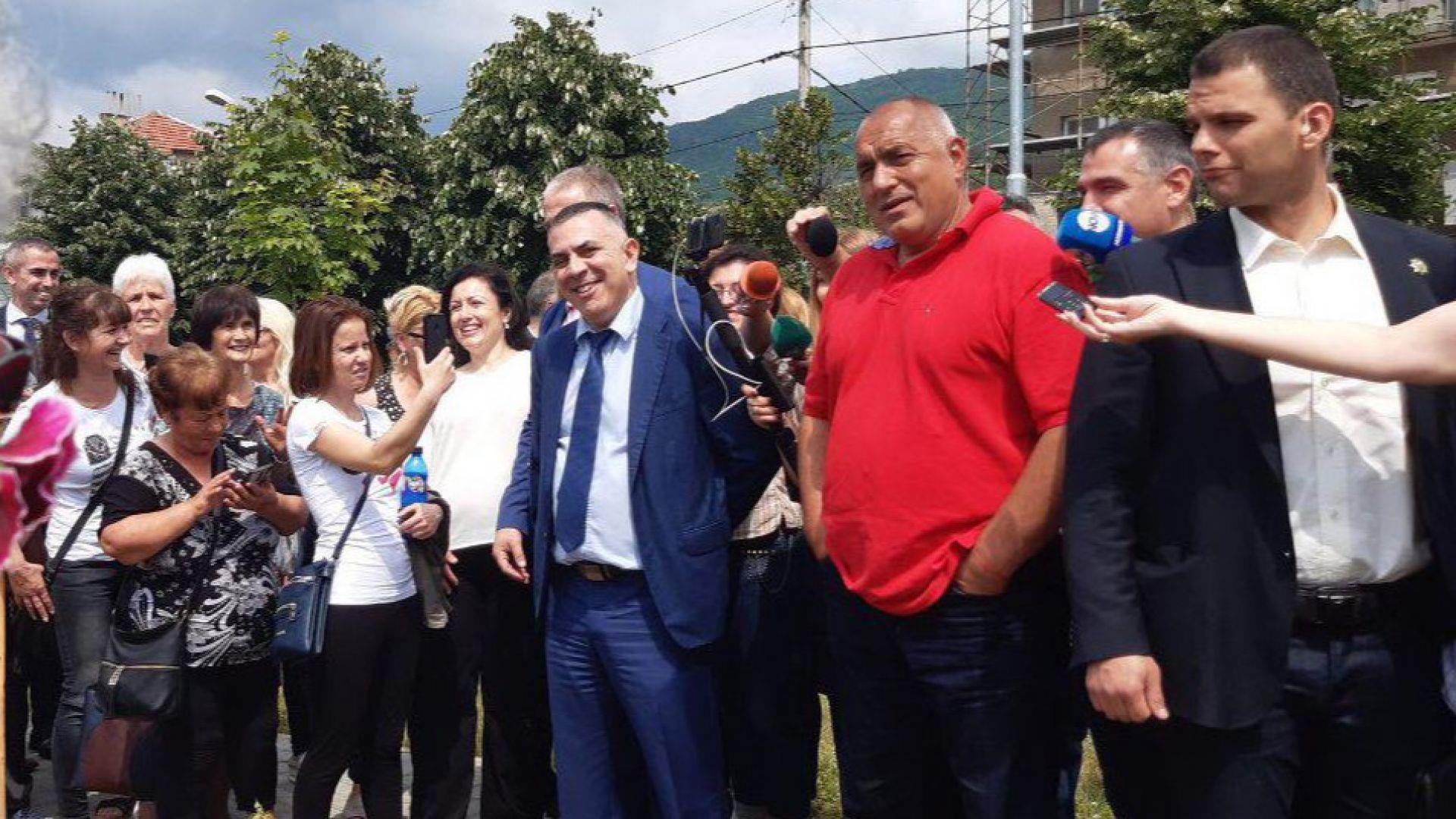 Борисов стигна и в Котел, провери нова пречиствателна станция