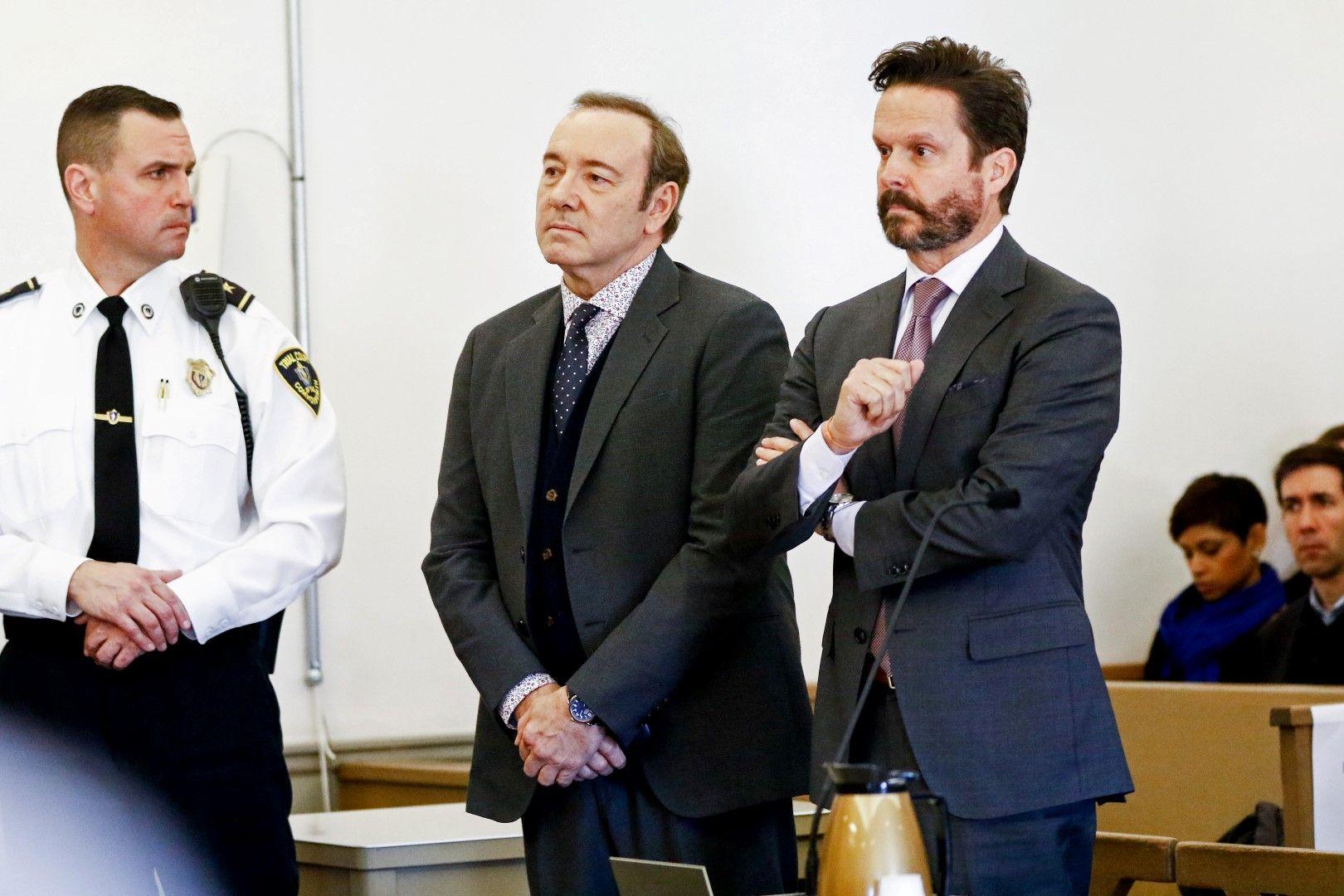 Кевин Спейси в съда в Нантъкет