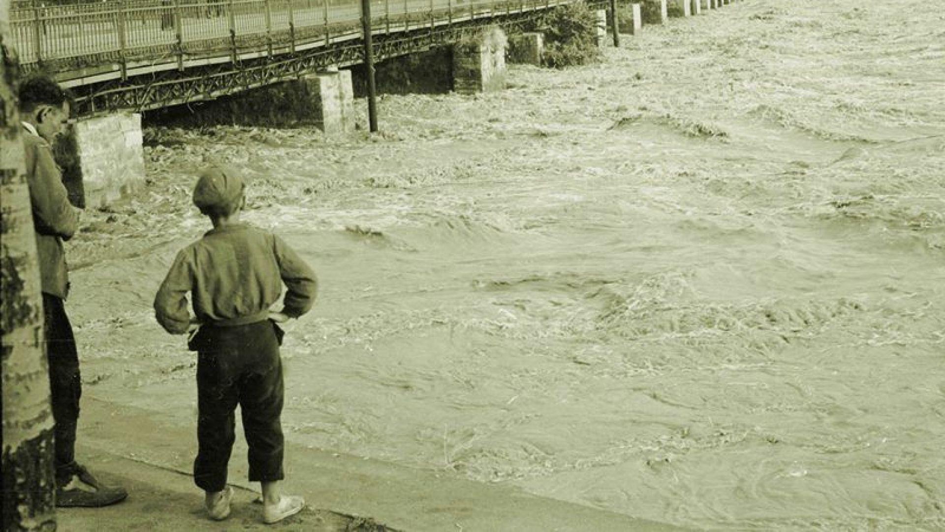 Пловдив по(д) вода – и преди, и сега (снимки)