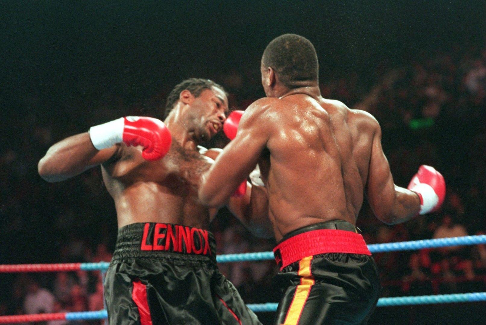 Оливър Маккол побеждава Ленъкс Люис, 1994 г.