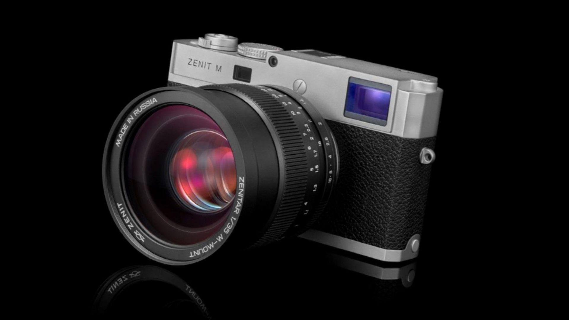 """В Русия вече продават обновения фотоапарат """"Зенит"""""""