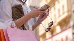 КНСБ: На дневен ред е въпросът да изключваме ли мобилния си телефон след работно време