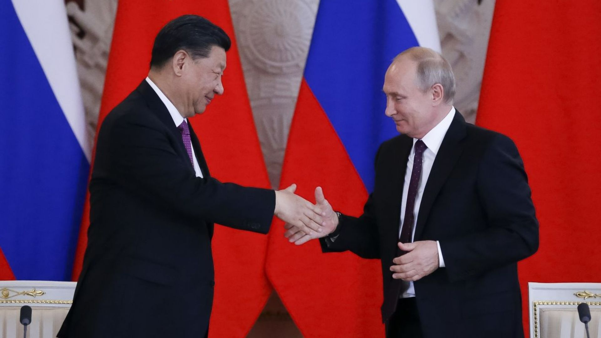 Какво си казаха Путин и Си Дзинпин в разгара на търговската война Китай-САЩ