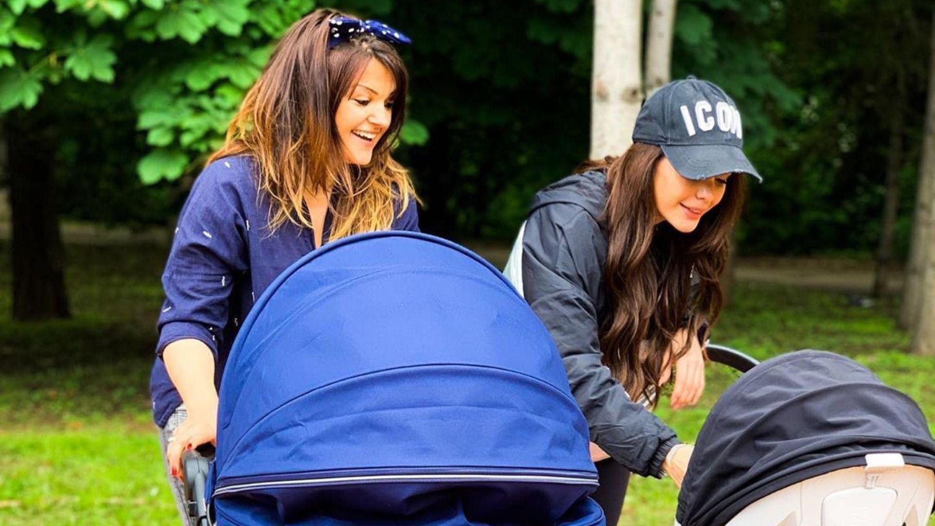 Петя Дикова и Преслава на разходка с бебетата