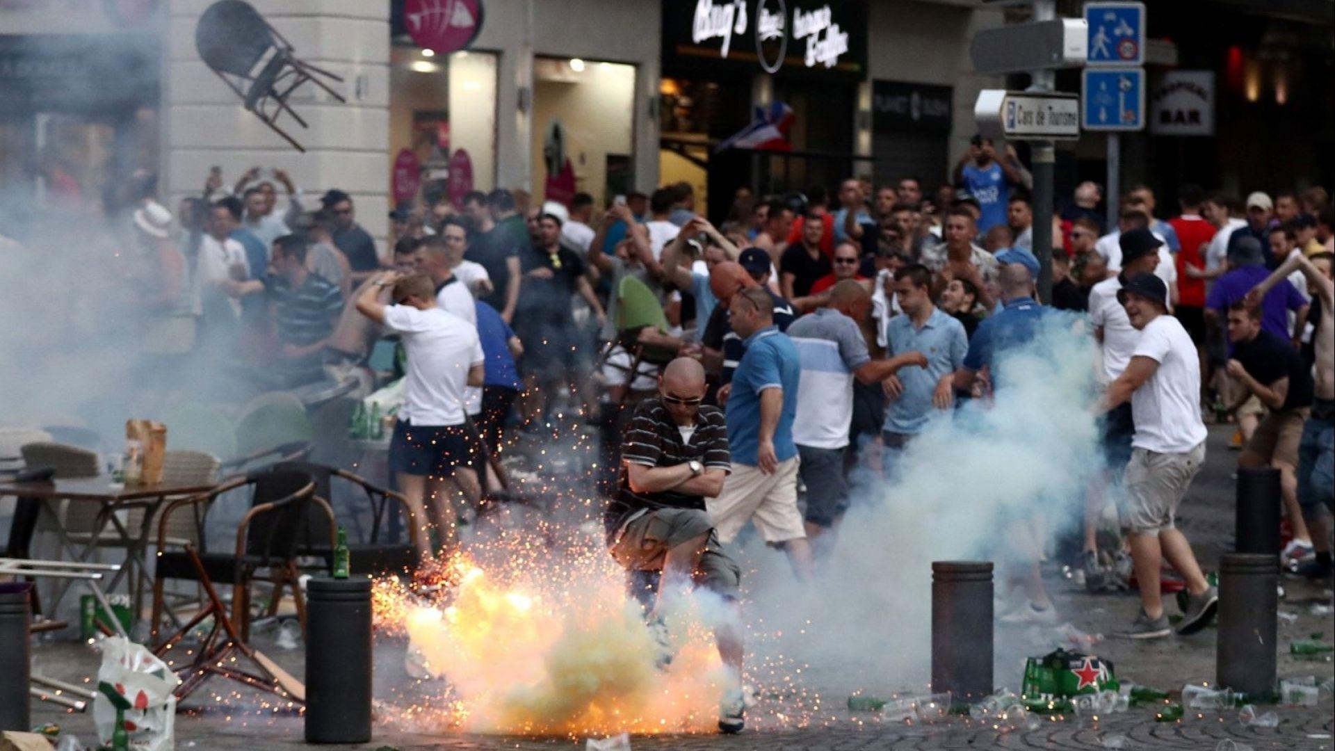 Английски фенове атакуваха полицаи в Порто, арестите са над 10